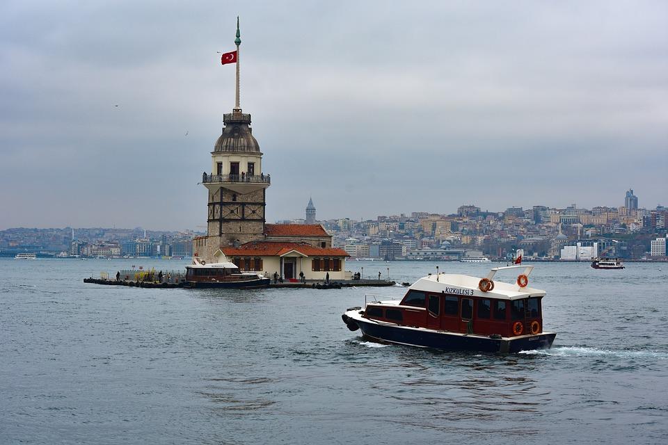 Βάλθηκαν να μας μάθουν… τουρκικά
