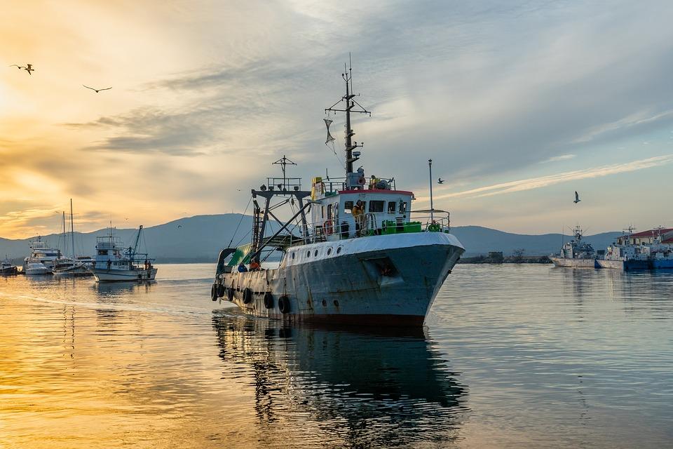 Έως 24.000 ευρώ τον μήνα σε κάθε Έλληνα αλιέα που επλήγη από τον κορονοϊό!