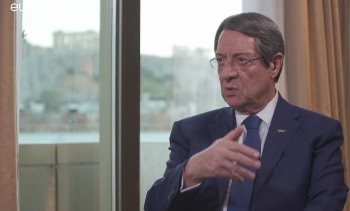Ν. Αναστασιάδης στο euronews: «Ο ταραξίας πρέπει να συμμορφωθεί»