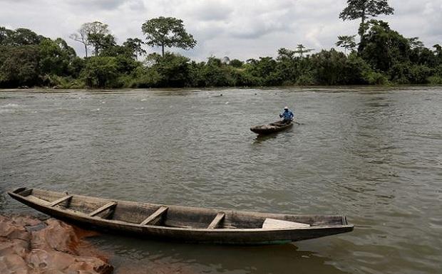 Στην Ακτή Ελεφαντοστού υπάρχει ένα χωριό που βυθίζεται με το λιώσιμο των πάγων εξαιτίας της κλιματικής αλλαγής