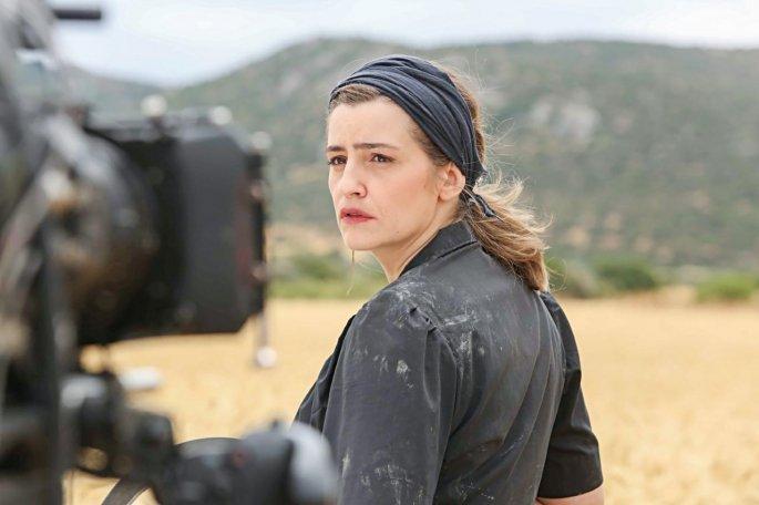 Χαμός στο διαδίκτυο με το φιλί του Κυπραίου στην Ελένη – Δείτε το video
