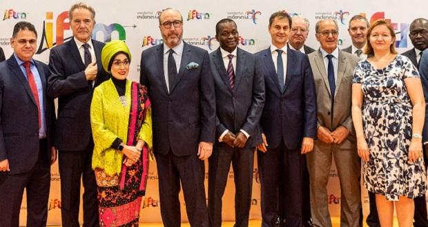Επαφές Χ. Θεοχάρη στο πλαίσιο της επίσκεψής του στη Διεθνή Έκθεση Τουρισμού IFTM στο Παρίσι