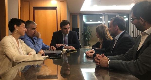 Συνάντηση του Κυριάκου Πιερρακάκη με τη CEO Europe Cluster του Ομίλου Vodafone Serpil Timuray