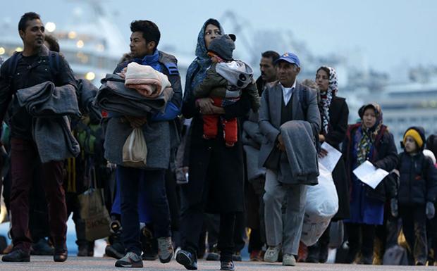 400 ευρώ τον μήνα παίρνει κάθε πρόσφυγας