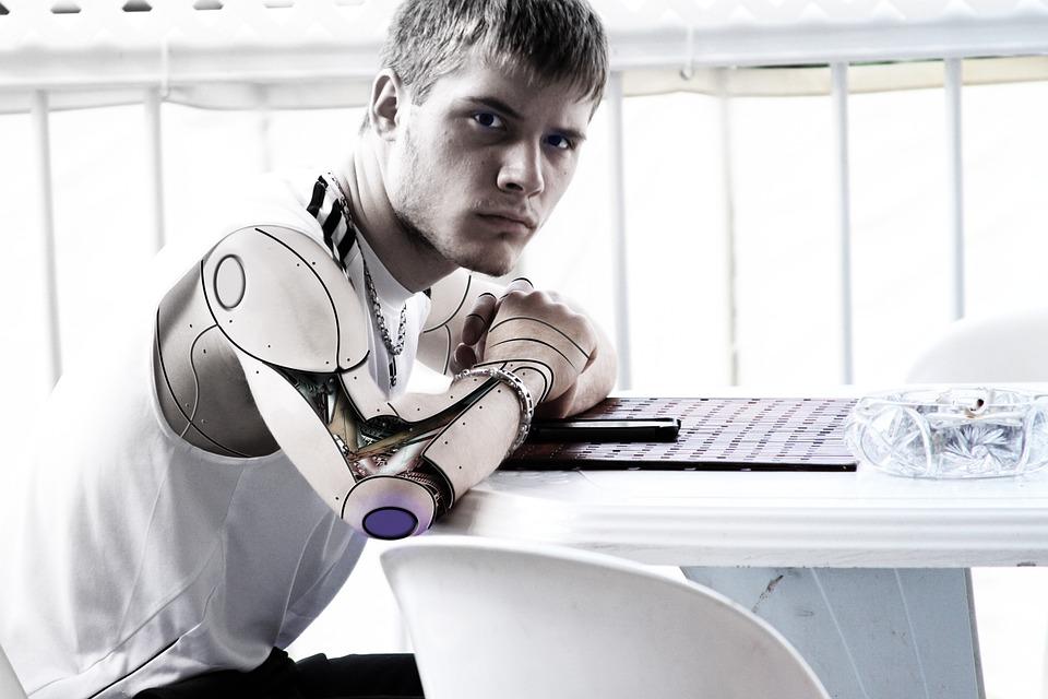 Τα ρομπότ απειλούν τους εργαζομένους!