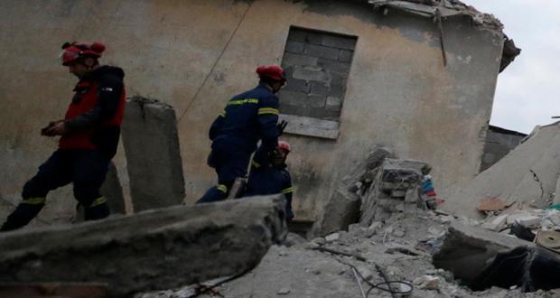 Επέστρεψαν οι διασώστες της 1ης ΕΜΑΚ – Στα Τίρανα 16μελής ομάδα μηχανικών και κλιμάκιο Ιατρών – Στους 49 οι νεκροί