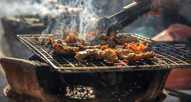 Καυγάς Γιαννούλη – Κυρανάκη για τα barbeque έξω από δομές προσφύγων και μεταναστών