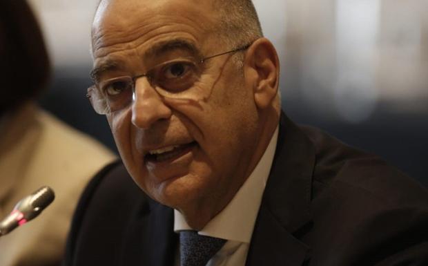 Η Αθήνα ζητά τήρηση του εμπάργκο όπλων στη Λιβύη