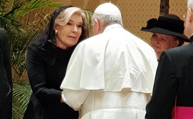 Η Μαριάννα Β. Βαρδινογιάννη συναντήθηκε με τον Πάπα Φραγκίσκο