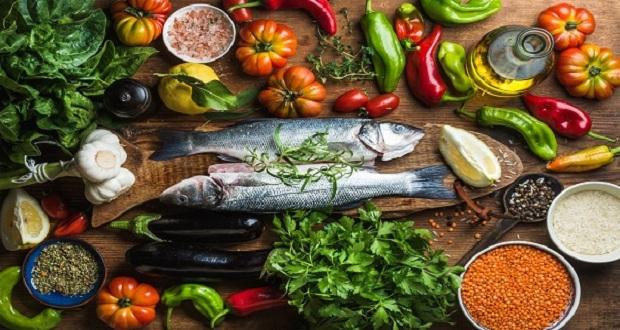 Διαφέρουν τα οφέλη της μεσογειακής διατροφής ανάλογα με το διάστημα που την ακολουθούμε