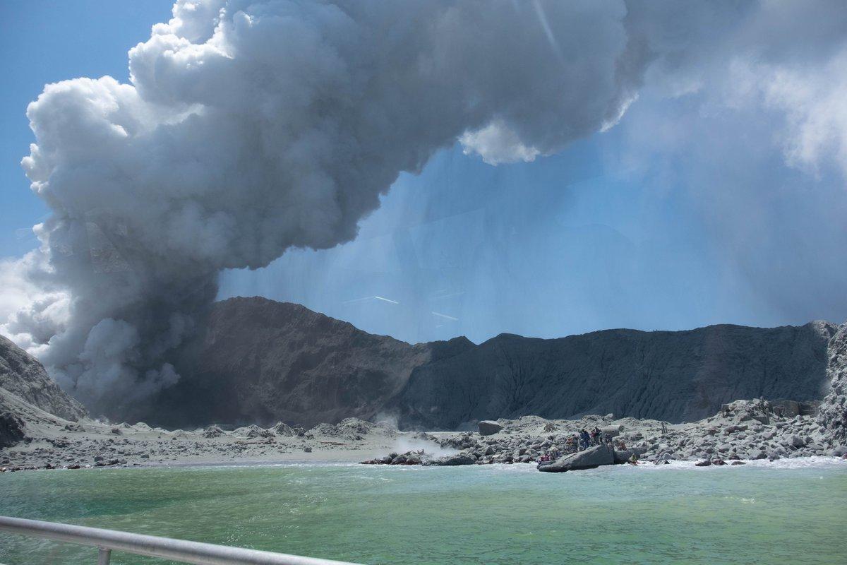 Νέα Ζηλανδία: Φονική έκρηξη ηφαιστείου Ουακατάνε – Πέντε οι νεκροί