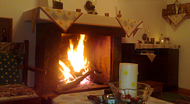"""Πρωτοχρονιά στη Ρούμελη: Το """"Πάντρεμα της Φωτιάς"""" και το """"Σπούρνι"""""""