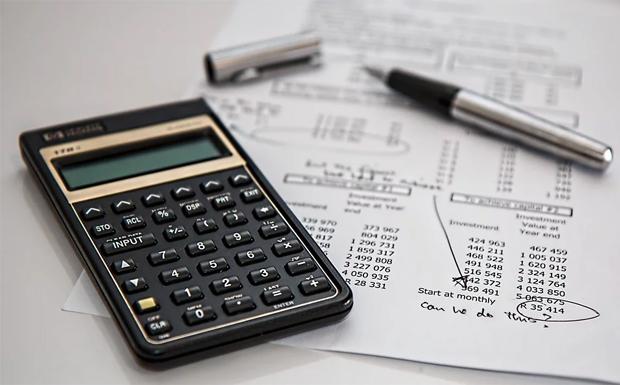Ασφαλιστικό ν/σ: Τα 6 πεδία των αλλαγών στις εισφορές των παράλληλα απασχολούμενων επαγγελματιών