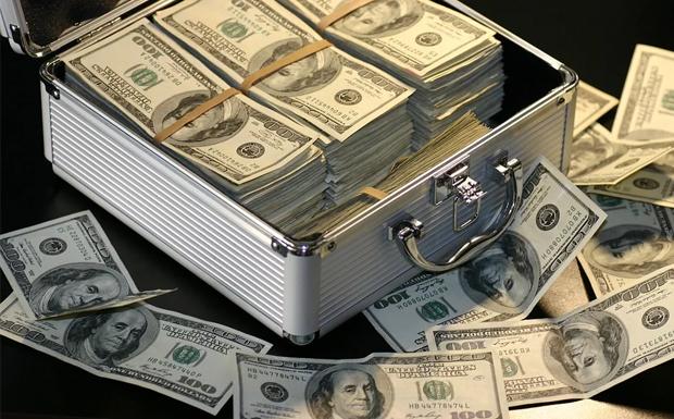 5,9 τρισ. δολάρια η περιουσία 500 ανθρώπων…