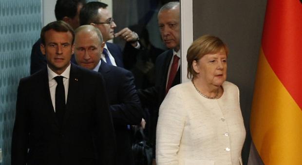 Καταδικασμένο να αποτύχει το διπλωματικό πραξικόπημα Βερολίνου – Άγκυρας – Μόσχας