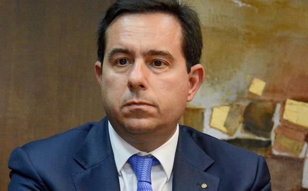 Επίθεση στο πολιτικό γραφείο του Ν. Μηταράκη – Η δήλωση του Στ. Πέτσα