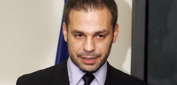Ο Ντέμης Νικολαΐδης στο Μαξίμου – Ο Γεραπετρίτης στην FIFA-UEFA