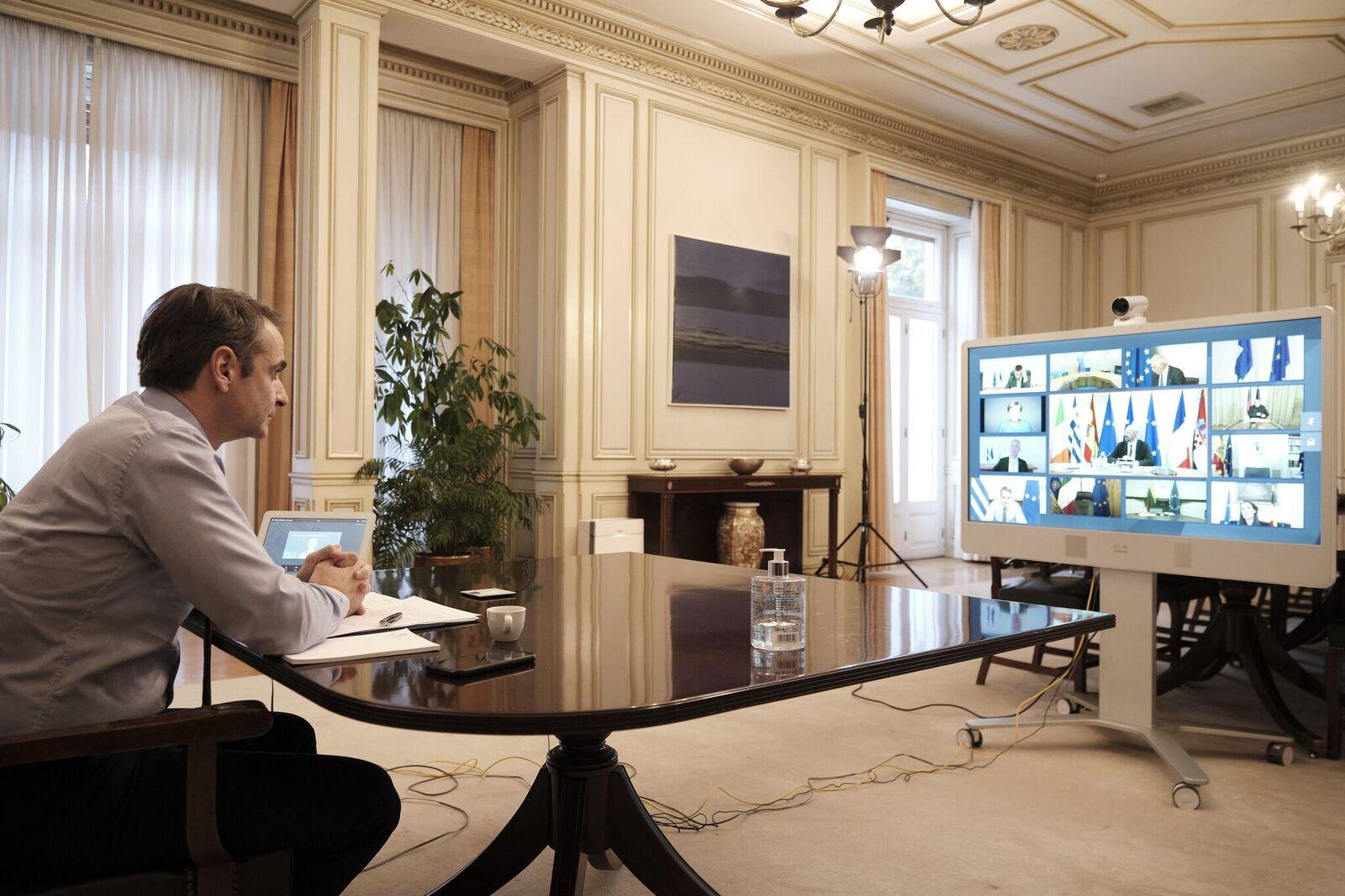 Το ευρωομόλογο διχάζει την Ευρώπη – Χωρίς λευκό καπνό η Σύνοδος Κορυφής – Δραματική έκκληση από Μητσοτάκη