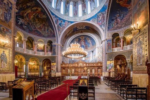 Μητσοτάκης: Κλείνουν όλες οι εκκλησίες, κάθε δόγματος και θρησκείας