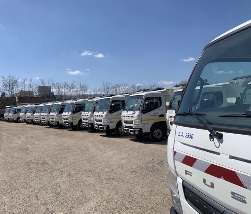 35 ολοκαίνουργια πλυστικά οχήματα και 10 νέες υδροφόρες για καθαριότητα – απολύμανση στον Δήμο Αθηναίων (φωτο)