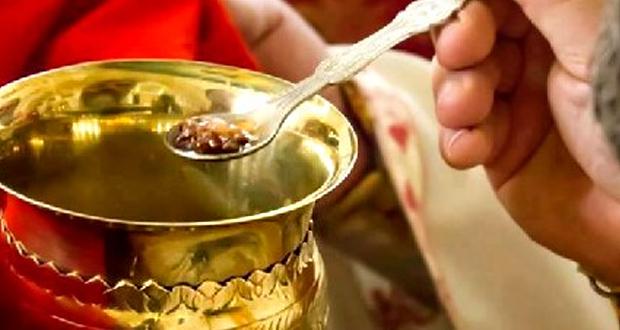 Τιμωρία σε δυο ιερείς των Ιωαννίνων που χρησιμοποίησαν πλαστικά σκεύη στη μετάληψη
