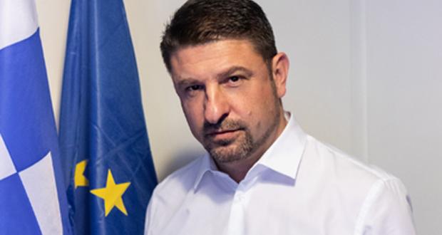 Χαρδαλιάς: Αλλάζει το πλαίσιο για τους επαναπατρισμούς – Ποιοι μπορούν να επιστρέφουν στην Ελλάδα