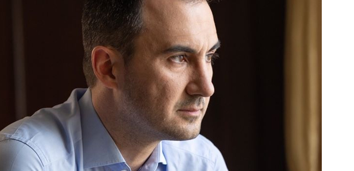 """Αλ. Χαρίτσης: Η κυβέρνηση ομολογεί ότι """"ξεκινάμε από το μηδέν"""" στον τουρισμό"""