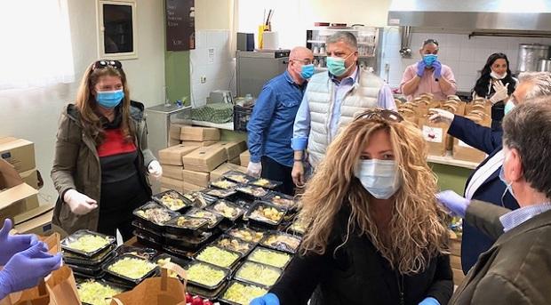 Περιφέρεια Αττικής: Διανομή 53.000 μερίδες φαγητού το Μ. Σάββατο και την Κυριακή του Πάσχα σε ευπαθείς συμπολίτες μας