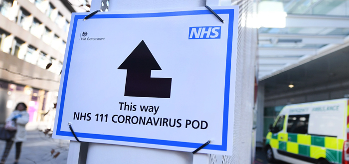 Covid-19: Δραματική η κατάσταση στη Βρετανία – 936 νεκροί σε μια ημέρα