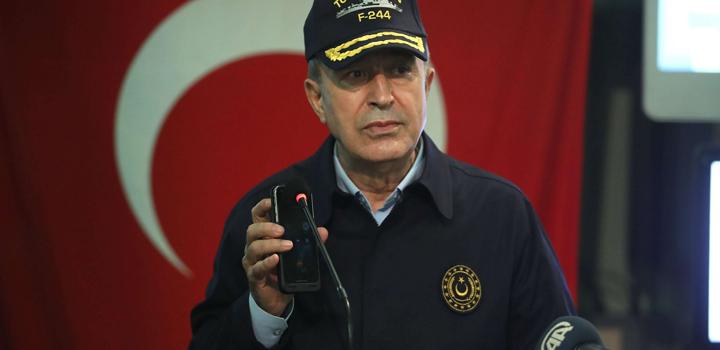 """Ερντογάν και Ακάρ: """"Όποιος ελέγχει τις θάλασσες, ελέγχει τον κόσμο""""!"""