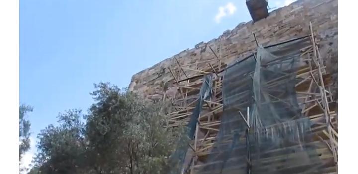 Ανακοίνωση του Γραφείου Τύπου του ΥΠΠΟΑ για το ικρίωμα στο Βόρειο Τείχος της Ακρόπολης
