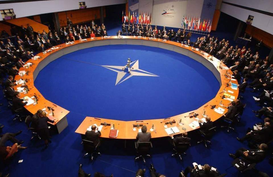Χρ. Μπότζιος: Χρειάζεται, άραγε, το ΝΑΤΟ;