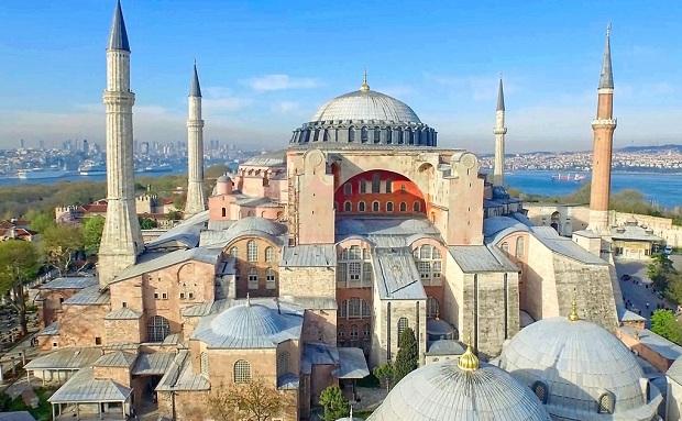 Η θρησκευτικο-ιστορική και πολιτικο-πολιτιστική διάσταση της μετατροπής της Αγίας Σοφίας σε τζαμί