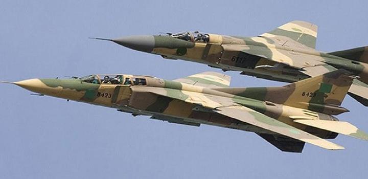 Λιβύη: Πληροφορίες για «τουρκική πανωλεθρία» σε βομβαρδισμούς, στον απόηχο της επίσκεψης Ακάρ