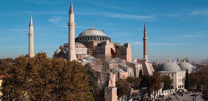 ΤΟ ΠΑΡΟΝ: Η Αγία Σοφία είναι ορθόδοξος ναός, δεν είναι μουσείο ούτε τζαμί