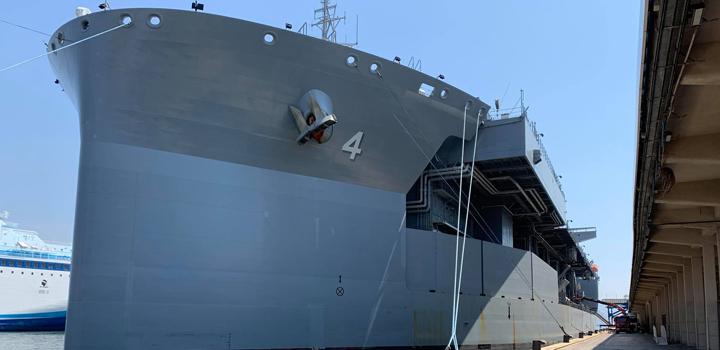 """Στην Ελλάδα γιγαντιαίο πλοίο του αμερικανικού πολεμικού ναυτικού USS Hershel """"Woody"""" Williams"""