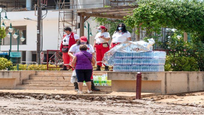 Εύβοια: Χωρίς πόσιμο νερό και μάχη με τη λάσπη – «Άμεσα» οι αποζημιώσεις – Ποιά μέτρα ανακοινώθηκαν (video)