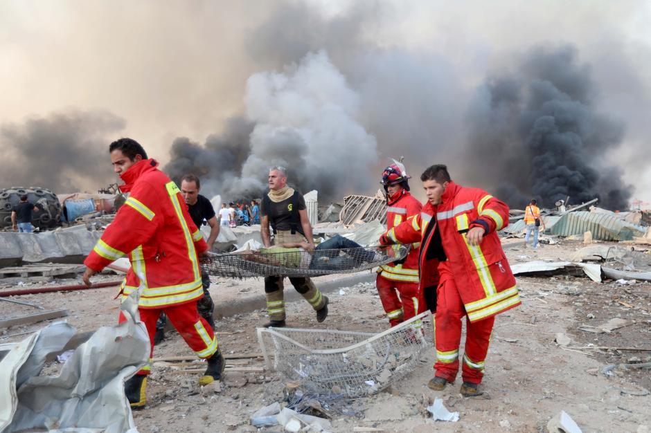 Εικόνες αποκάλυψης στη Βηρυτό : Πάνω από 100 νεκροί και 4.000 τραυματίες