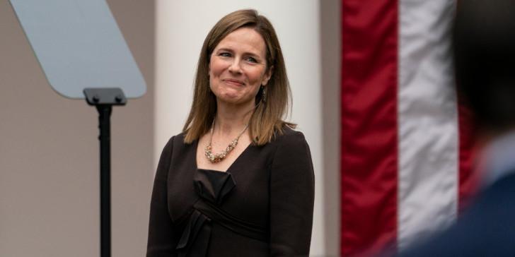 Ειμι Κόνεϊ Μπάρετ: Αυτή είναι η συντηρητική δικαστίνα που προτείνει ο Τραμπ για το Ανώτατο Δικαστήριο -Πολέμιος των αμβλώσεων