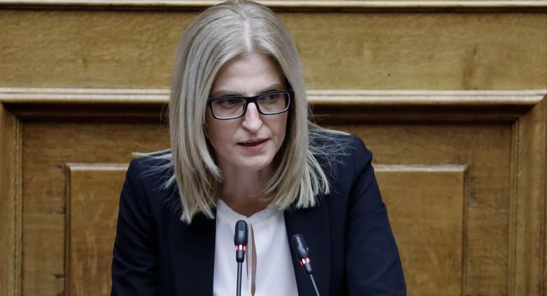 Δώρα Αυγέρη: «Ένα λεπτό περιπτερά, η κυβέρνηση βουλιάζει στα βαθιά νερά…»