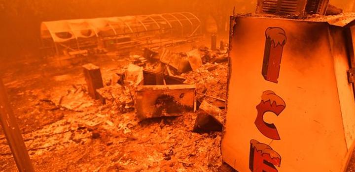 """Οι πυρκαγιές """"τρώνε"""" Καλιφόρνια και Όρεγκον – Νεκροί και αγνοούμενοι"""