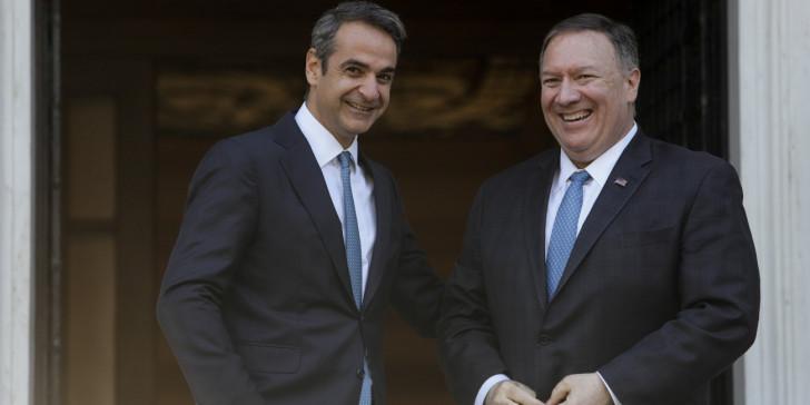 Τη βάση της Σούδας επισκέπτονται σήμερα ο Κυρ. Μητσοτάκης και ο Μάικ Πομπέο – Διευρυμένη συνάντηση αντιπροσωπειών Ελλάδας-ΗΠΑ