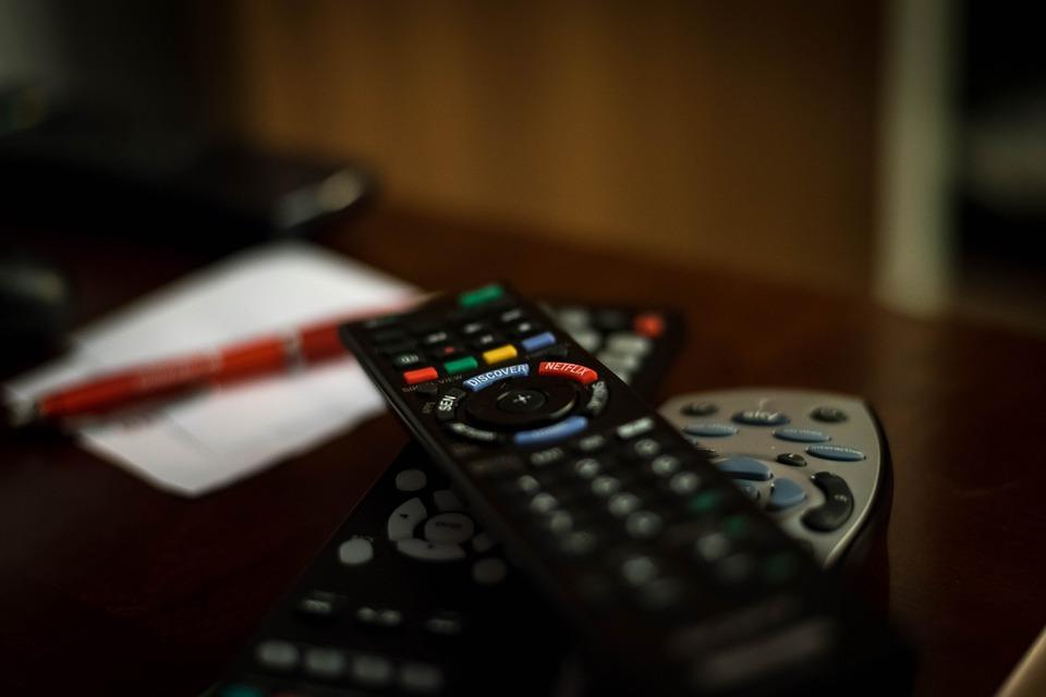 Τέλος στο «τέλος υπέρ τυφλών» για τους τηλεοπτικούς σταθμούς