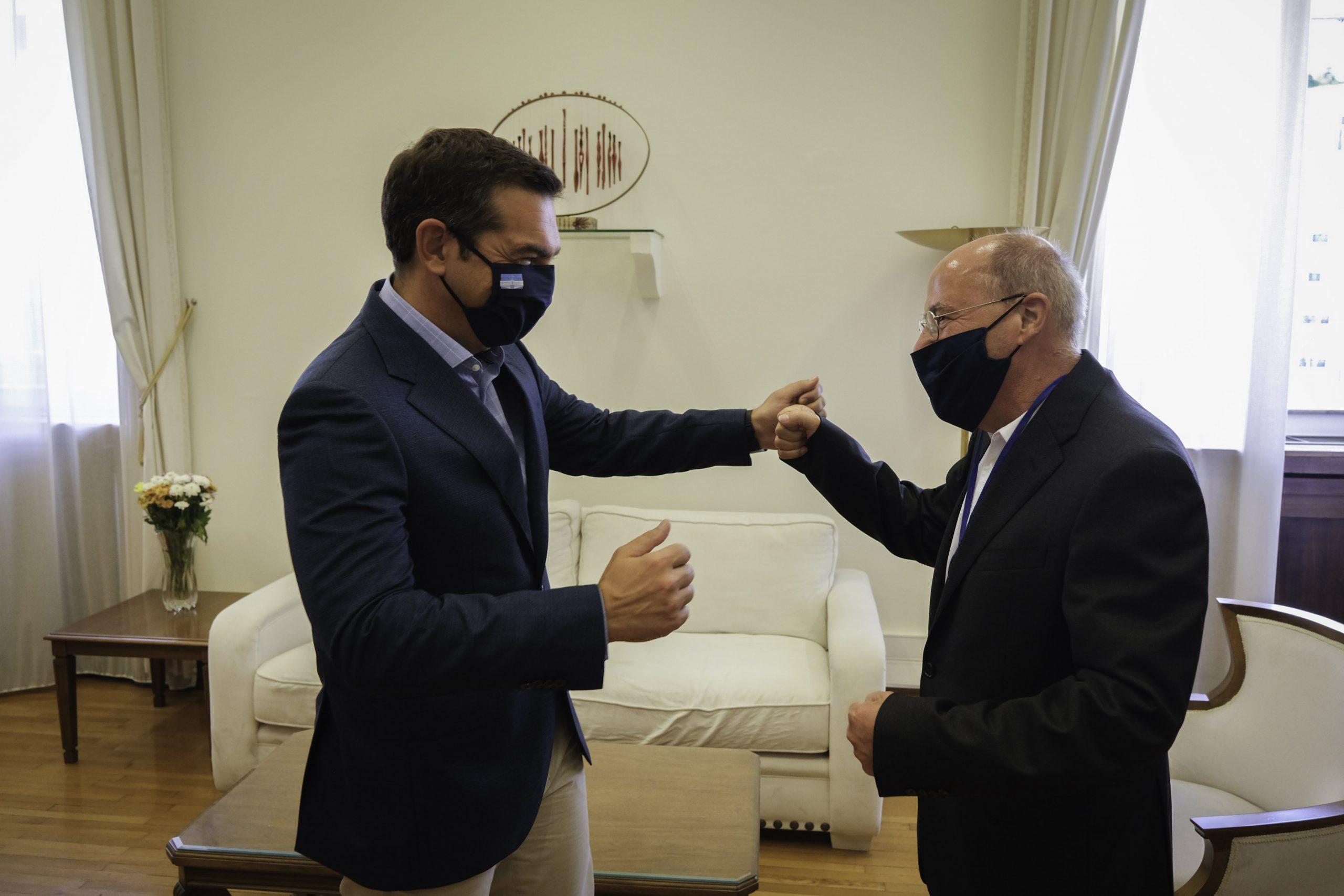 Συνάντηση του προέδρου του ΣΥΡΙΖΑ – Προοδευτική Συμμαχία Αλ. Τσίπρα με τον Gr. Gysi