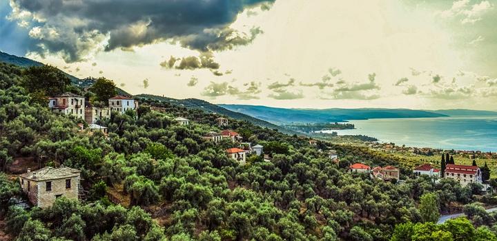 Η ερήμωση της ελληνικής υπαίθρου: Αίτια και συνέπειες – Ανάλυση του Χρ. Θ. Μπότζιου