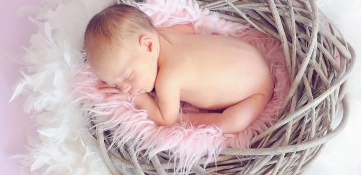 ΕΛΣΤΑΤ: Aραιώνει ο ελληνικός πληθυσμός – Βουτιά 3,1% στις γεννήσεις