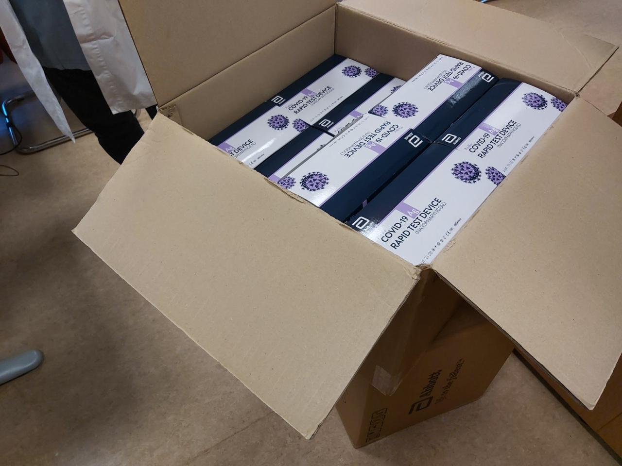 1.500 rapid tests στάλθηκαν χθες βράδυ στο ΠΓΝ ΑΧΕΠΑ
