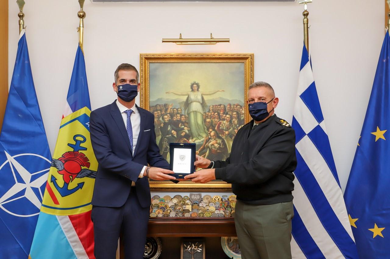 Δήμος Αθηναίων και ΓΕΕΘΑ μαζι στην ανακύκλωση και την προστασία του περιβάλλοντος