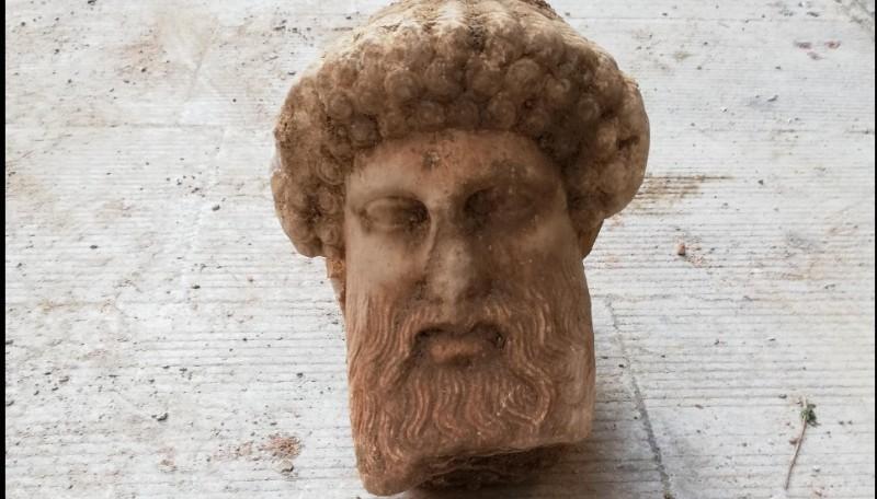 Του 4ου αιώνα π.Χ. η κεφαλή του Ερμού στη Αιόλου