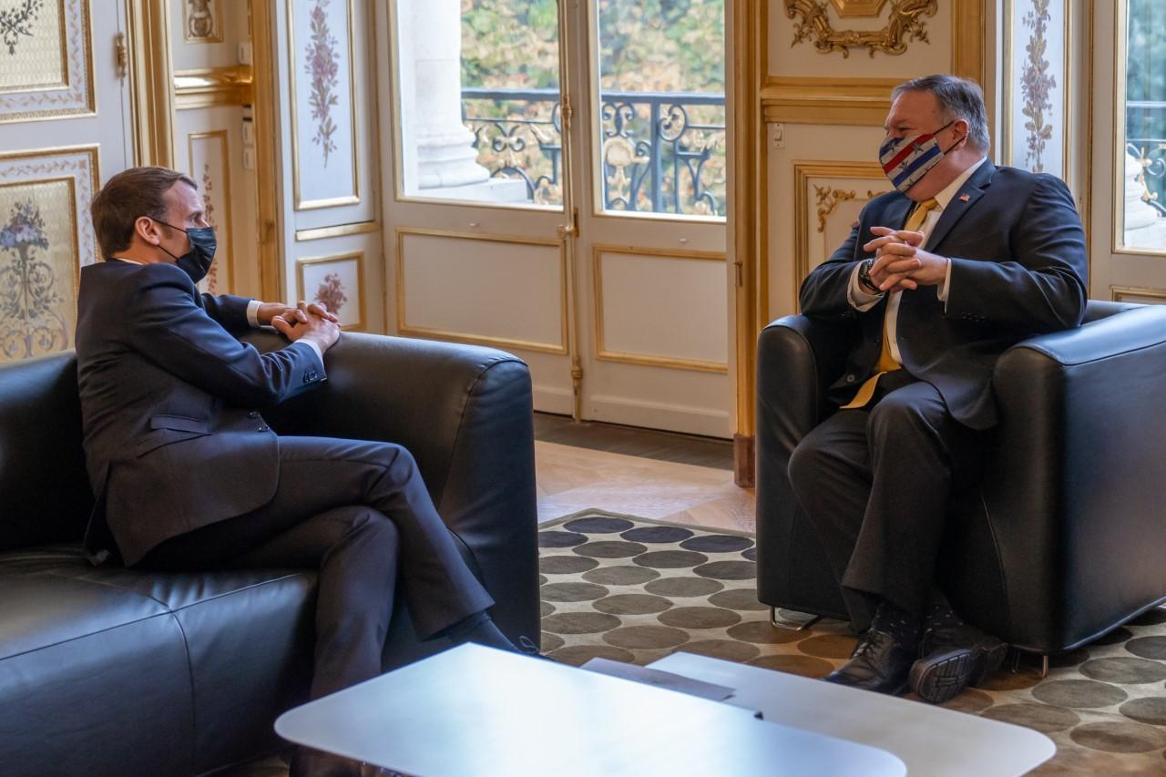 Ο Πομπέο δηλώνει ότι συζήτησε με τον Μακρόν τις «πολύ επιθετικές» ενέργειες της Τουρκίας